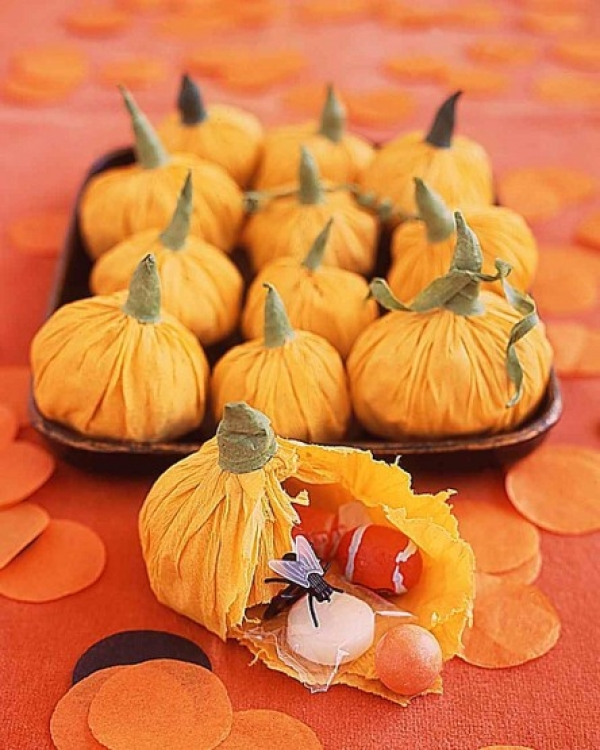 make your own paper pumpkins this halloween papercrafter blog